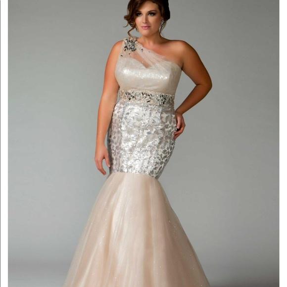 d8d575123d 🌼Special Occasion Dress 🌼. Boutique. Mac Duggal